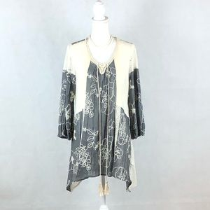 Ryu Lace Knitted Flowers Tunic / Top Sz L